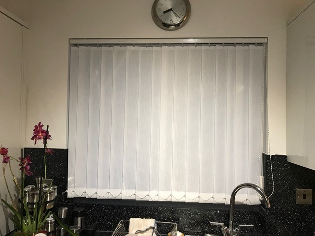 kitchenverticalblinds.jpg